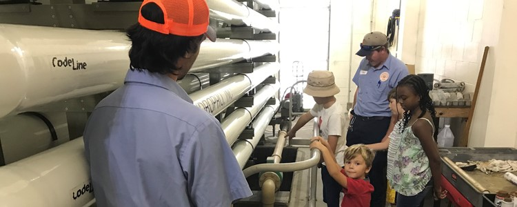 Homeschool group pours over Prineville Plant