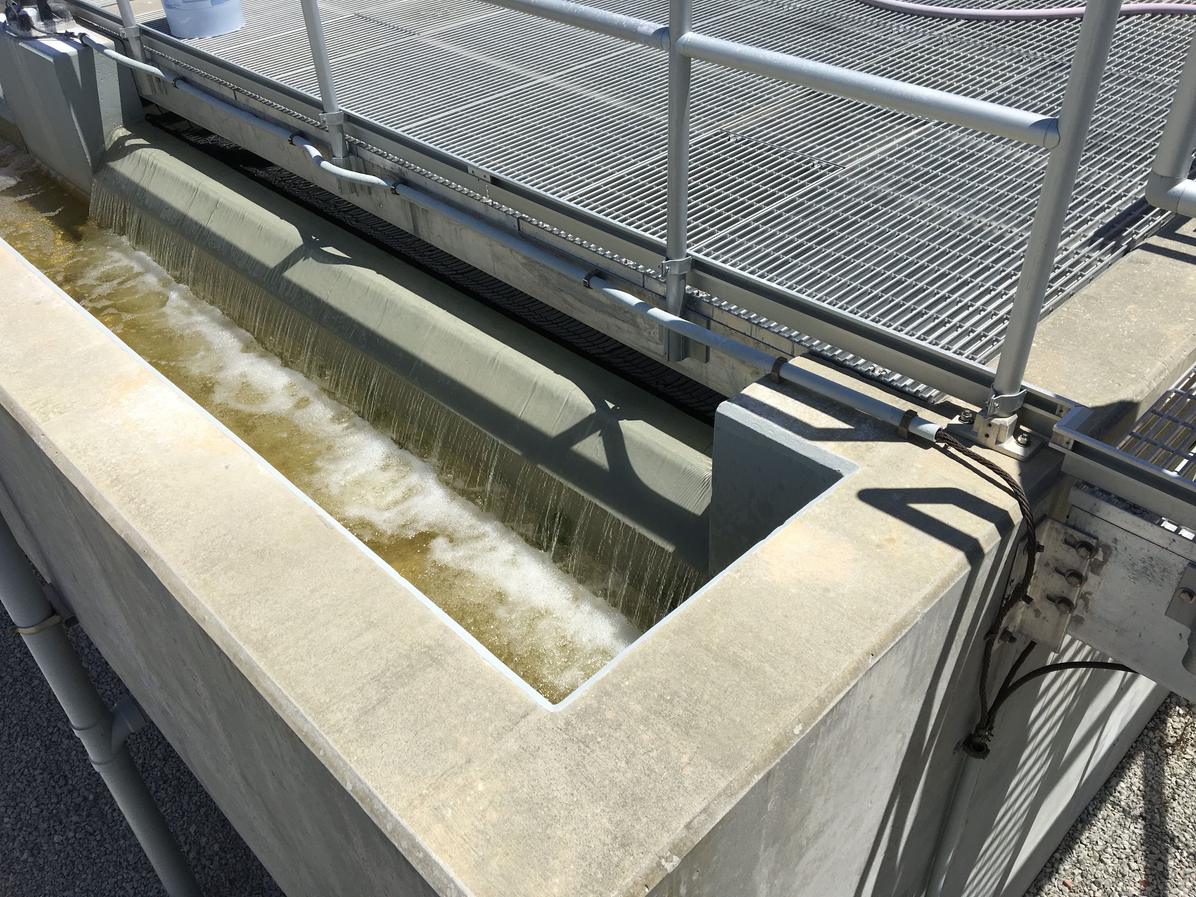 Reuse water flowing into chlorine contact chamber